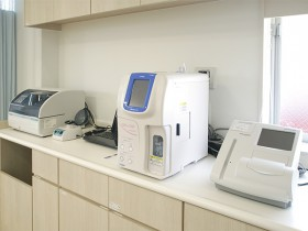 迅速血液検査機